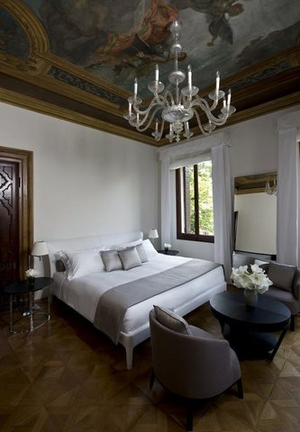 Aman Canal Grande Venice - Palazzo Chamber
