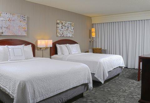 Courtyard Colorado Springs South - Queen Queen Guest Room