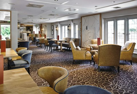 Hanbury Manor Marriott Hotel & Country Club - Vardon s Bar