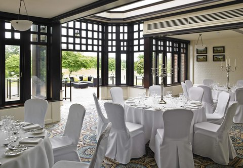 Hanbury Manor Marriott Hotel & Country Club - Conservatory Meeting Room   Banquet Setup