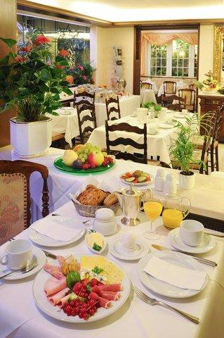 Hotel Palmenhof - Breakfast