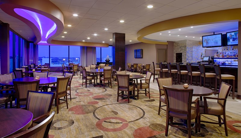 Crowne Plaza Hotel  Dayton Bar/Lounge