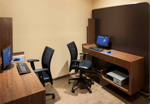 TownePlace Suites Dallas Las Colinas - Connection Center
