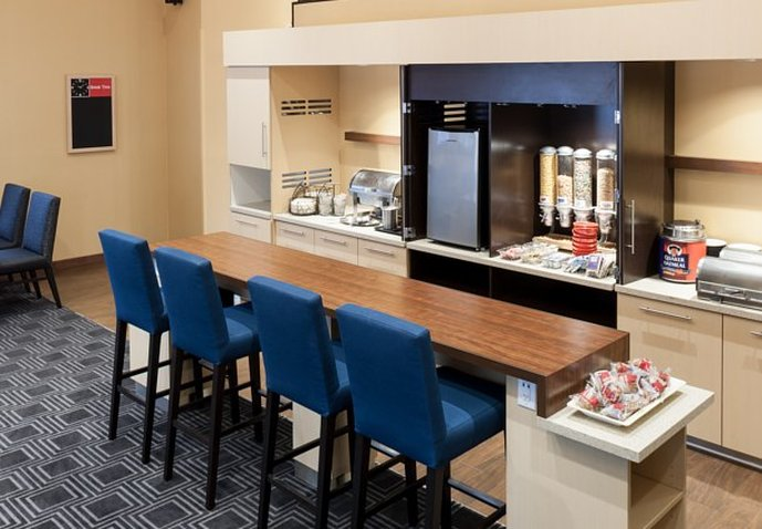 TownePlace Suites by Marriott Las Colinas Gastronomi