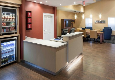 TownePlace Suites Dallas Las Colinas - Front Desk