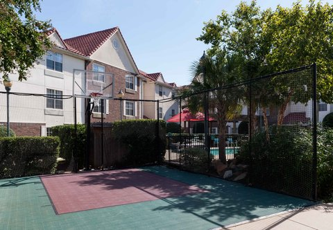 TownePlace Suites Dallas Las Colinas - Sport Court