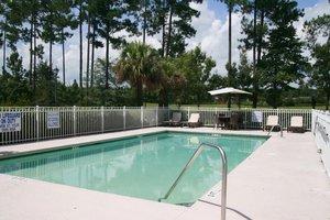 Pool - Hampton Inn & Suites Sun City Bluffton
