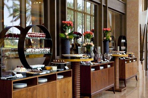 فندق الفيصلية - La Cucina Restaurant Brunch Set Up