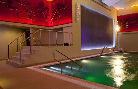 فندق الفيصلية - Spa By ESPA - Indoor Swimming Pool