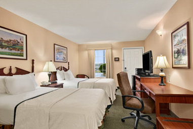 Baymont Inn & Suites Cleveland - Standard Double Room
