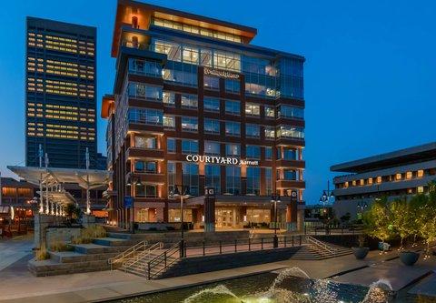 Courtyard Buffalo Downtown/Canalside - Exterior