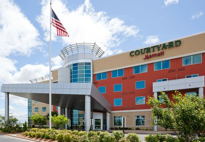 COURTYARD MAPLE GROVE MARRIOTT
