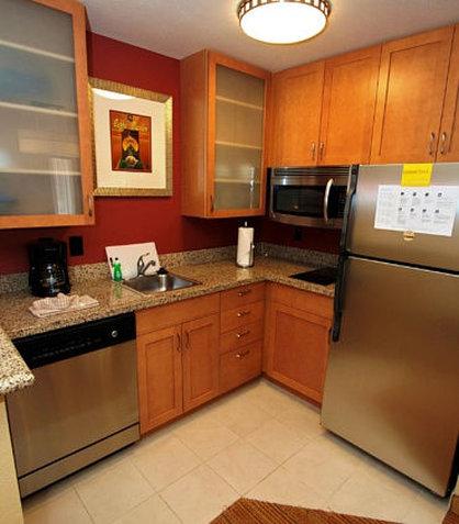 Residence Inn Bryan College Station - Studio   One-Bedroom Suite Kitchen