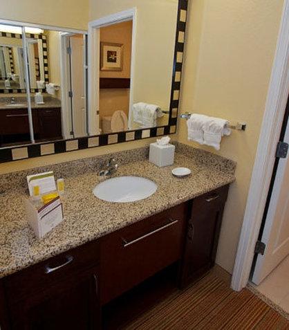 Residence Inn Bryan College Station - Suite Bathroom Vanity