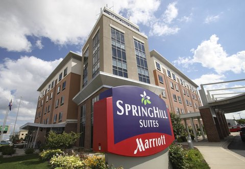 SpringHill Suites Green Bay - Entrance