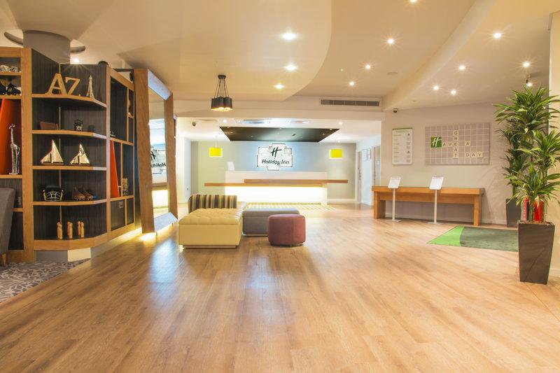 Holiday Inn London - West Lobby