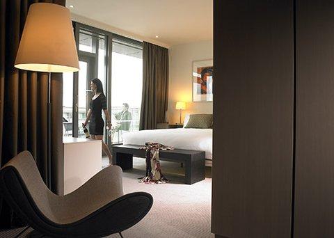 The Gibson Hotel - Hotel Bedroom Suite