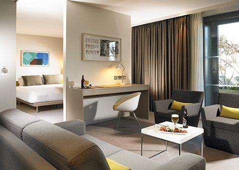 The Gibson Hotel - Bedroom Suite
