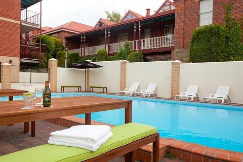 Rydges Hobart - Pool