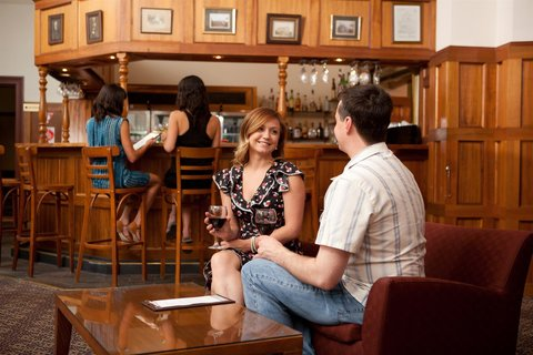 Rydges Hobart - Manor Bar