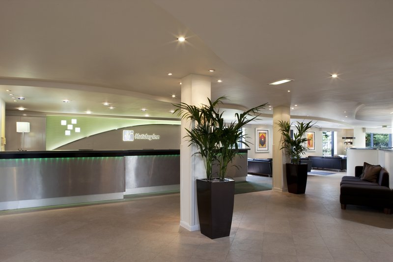 Holiday Inn London-Heathrow ロビー