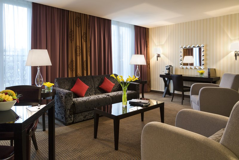Crowne Plaza Hotel Paris-Republique Zimmeransicht