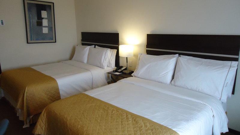 Holiday Inn Express Guaymas Vista de la habitación