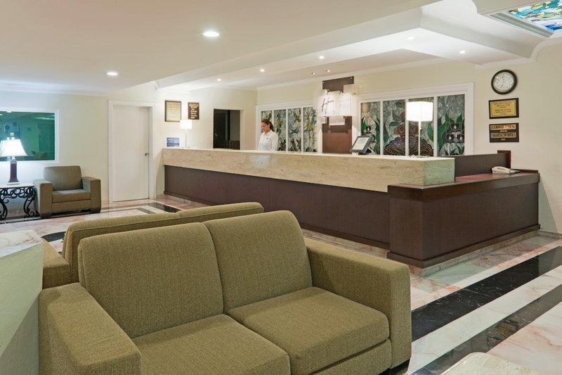 Holiday Inn Express Cancun Zona Hotelera Lobby