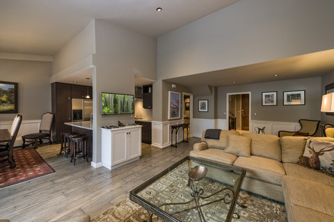 Vail's Mountain Haus - 3 Bedroom Mountainside Penthouse