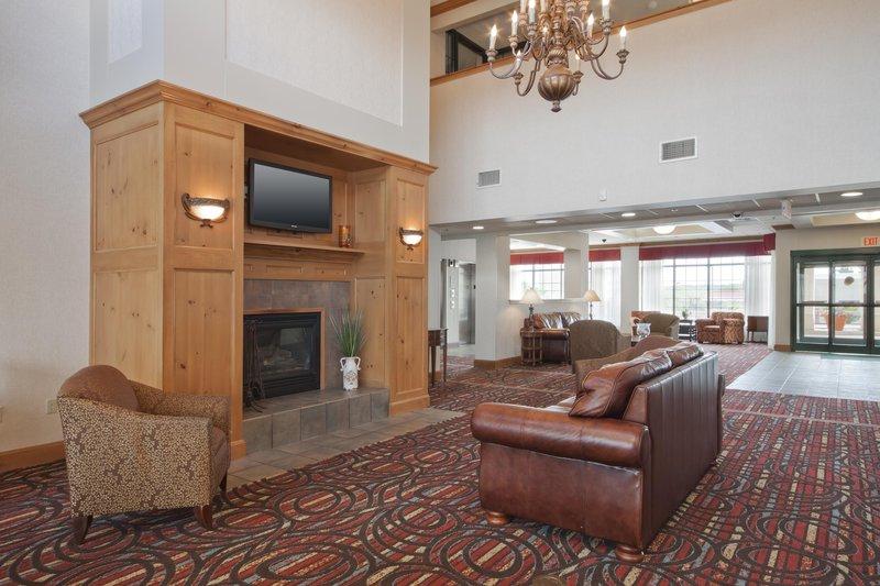Homewood Suites Boston/Peabody 前厅