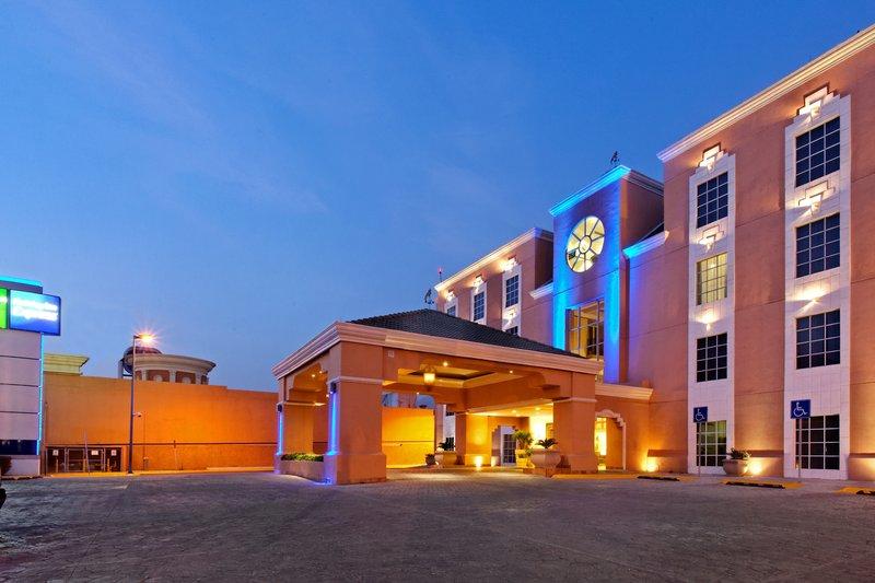 Holiday Inn Express Tecnologico Monterrey Ulkonäkymä