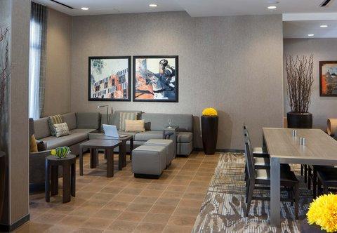 Courtyard Palm Beach Jupiter - Lobby Sitting Area