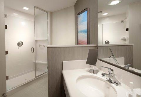 Courtyard Palm Beach Jupiter - Guest Bathroom