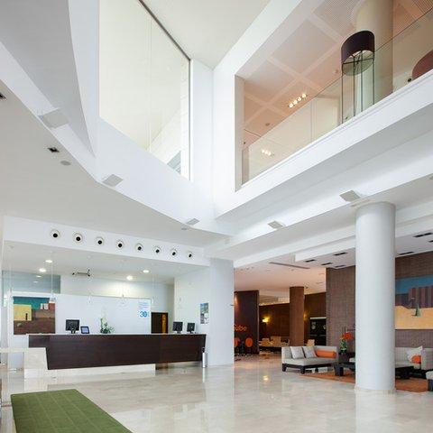 NH Alicante - lobby