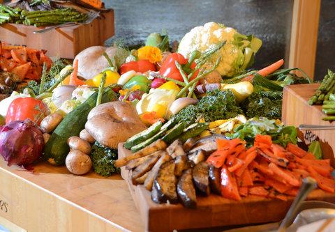 Cincinnati Kingsgate Conference Center Hotel - Display Station   Grilled Vegetable Platter