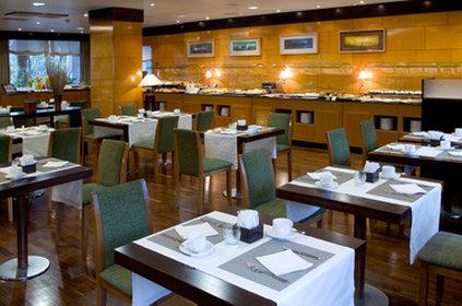 NH La Coruna Atlantico - buffet breakfas