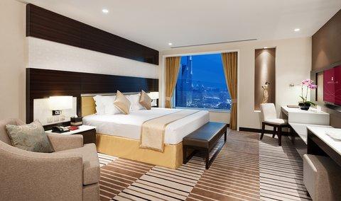 Warwick Hotel Dubai - Penthouse Bedroom Suite Master Bedroom