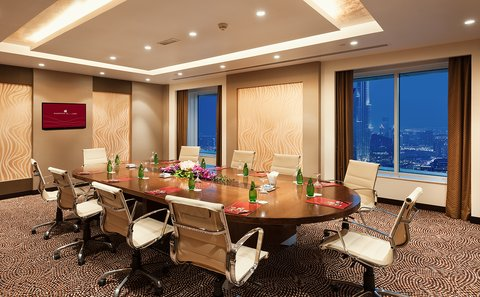 Warwick Hotel Dubai - Warwick Club Lounge Boardroom