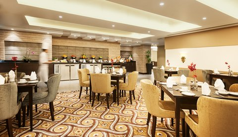 Warwick Hotel Dubai - Warwick Club Lounge Breakfast