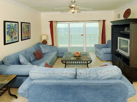 Crystal Shores by Wyndham Vacation Rentals - living room