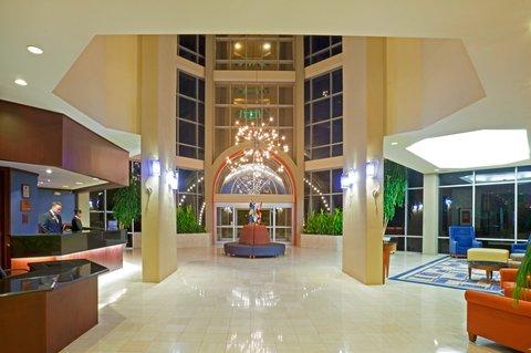 Crowne Plaza Suites ARLINGTON - BALLPARK - STADIUM - Hotel Lobby