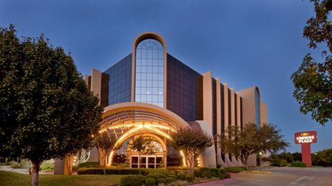 Crowne Plaza Suites ARLINGTON - BALLPARK - STADIUM - Exterior Feature