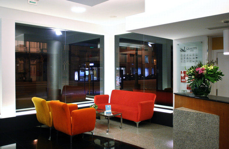 Quality Inn Portus Cale Lobby