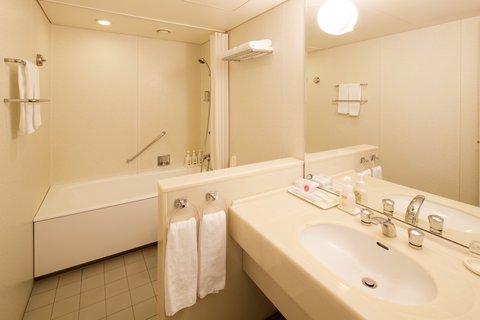 Hotel East 21 Tokyo - Deluxe Room Bathroom