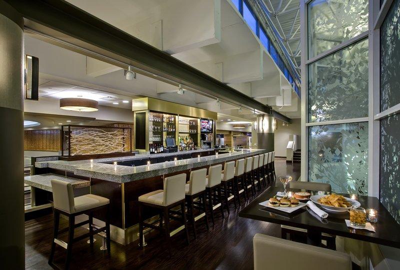 Crowne Plaza Hotel Chicago O'Hare Bar/Lounge