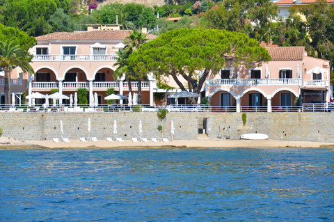 Hotel Demeure les Mouettes - Property view from the Sea