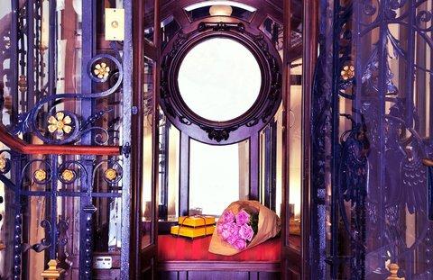 Urso Hotel and Spa - Antique Lift
