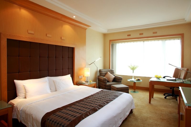 Crowne Plaza Hotel Shanghai View of room