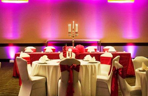 Embassy Suites Market Center Hotel - Pink Wedding Reception