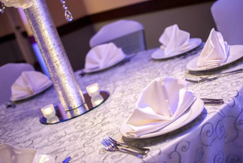 Embassy Suites Market Center Hotel - Table Set for Weddiing